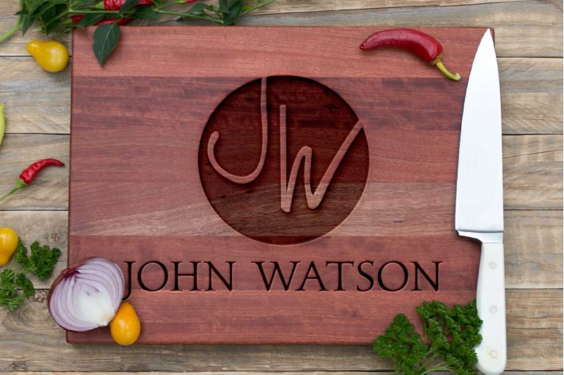 Personalised Chopping Board : Circular Monogram with Name