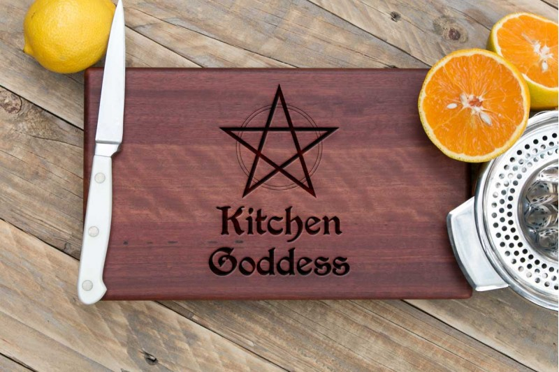 Chopping Board : Kitchen Goddess or Kitchen Witch